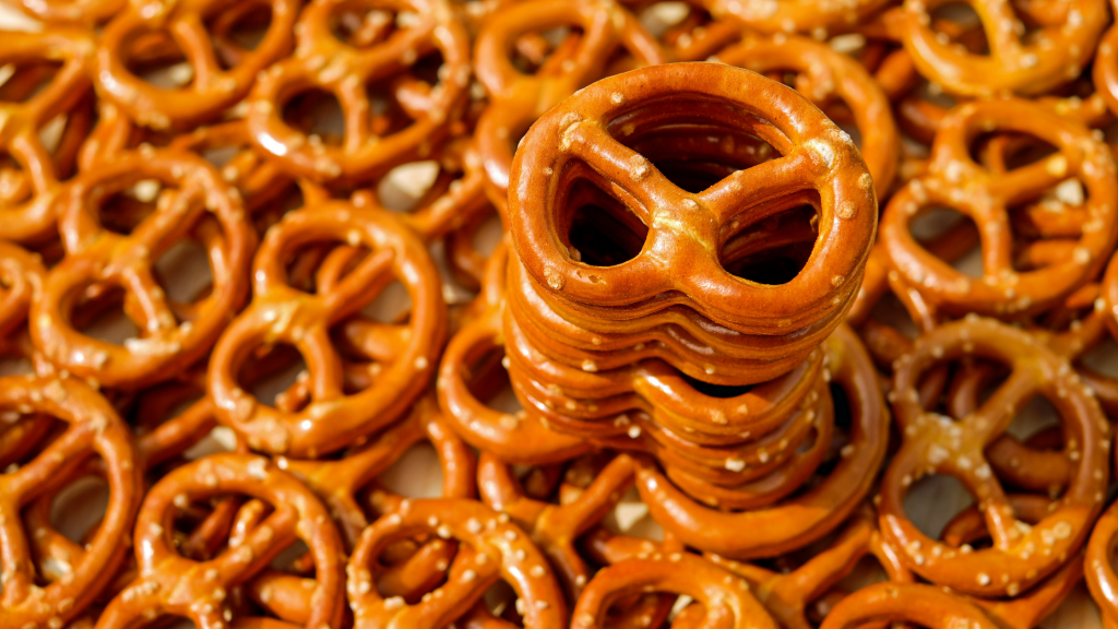 Avoid Mindless Snacking with These Helpful Distractions