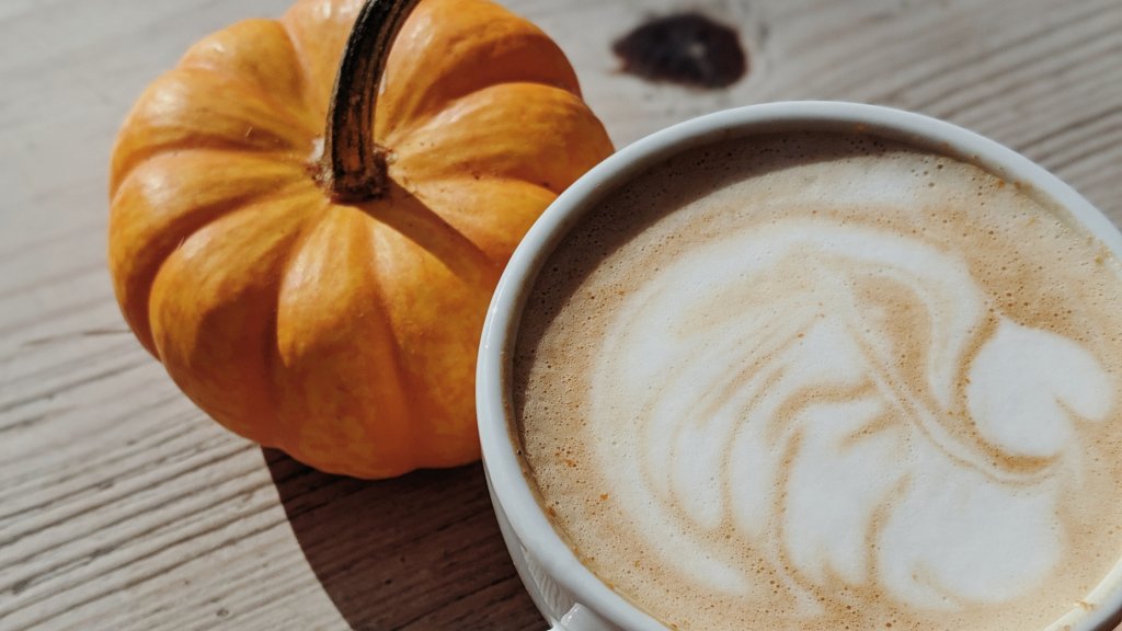 """How to Make a """"Skinny"""" Pumpkin Spice Latte at Home"""