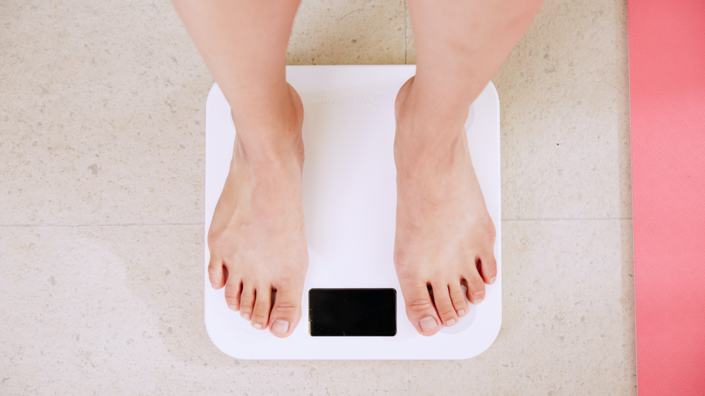 """I Started Tracking Macros at My """"Happy"""" Weight and Here's What Happened."""